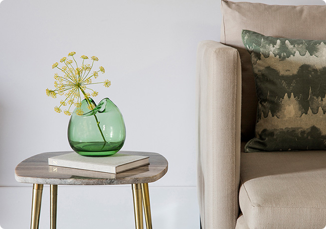 Peridot vase and Caesar side table from Perch & Parrow - £26