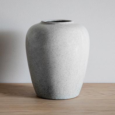 Mim Vase Urn Shape