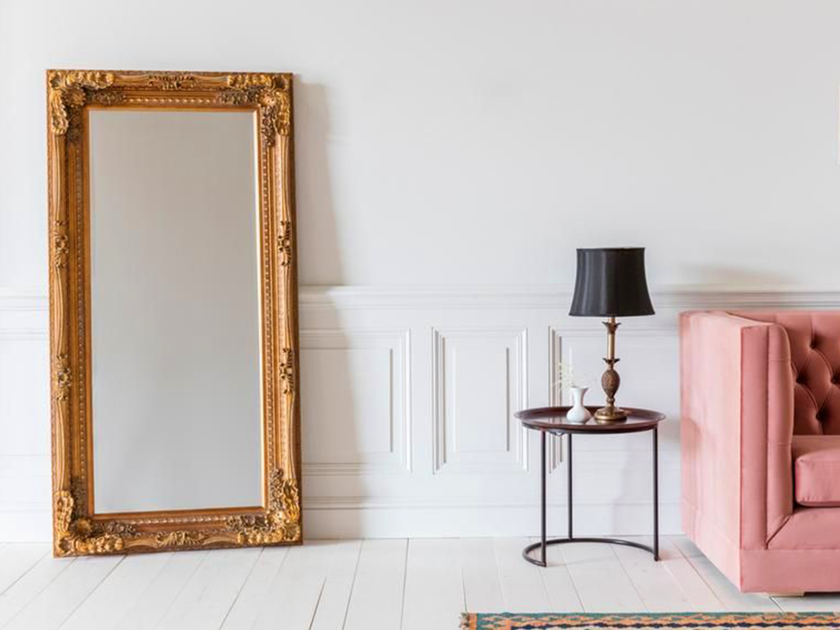 Mirror Accents Romantic Style Design