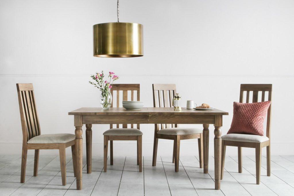 cooper-oak-dining-table-situ1_1